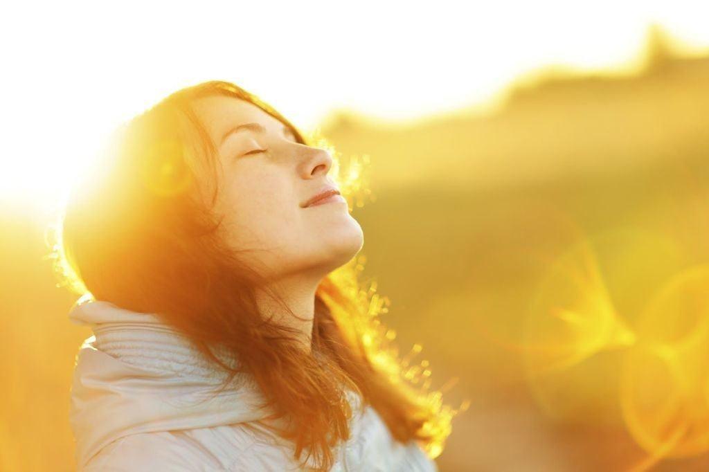 diez-remedios-naturales-para-combatir-la-depresion-baño-de-sol