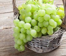 Beneficios de la uva pasa, verde, morada e integral
