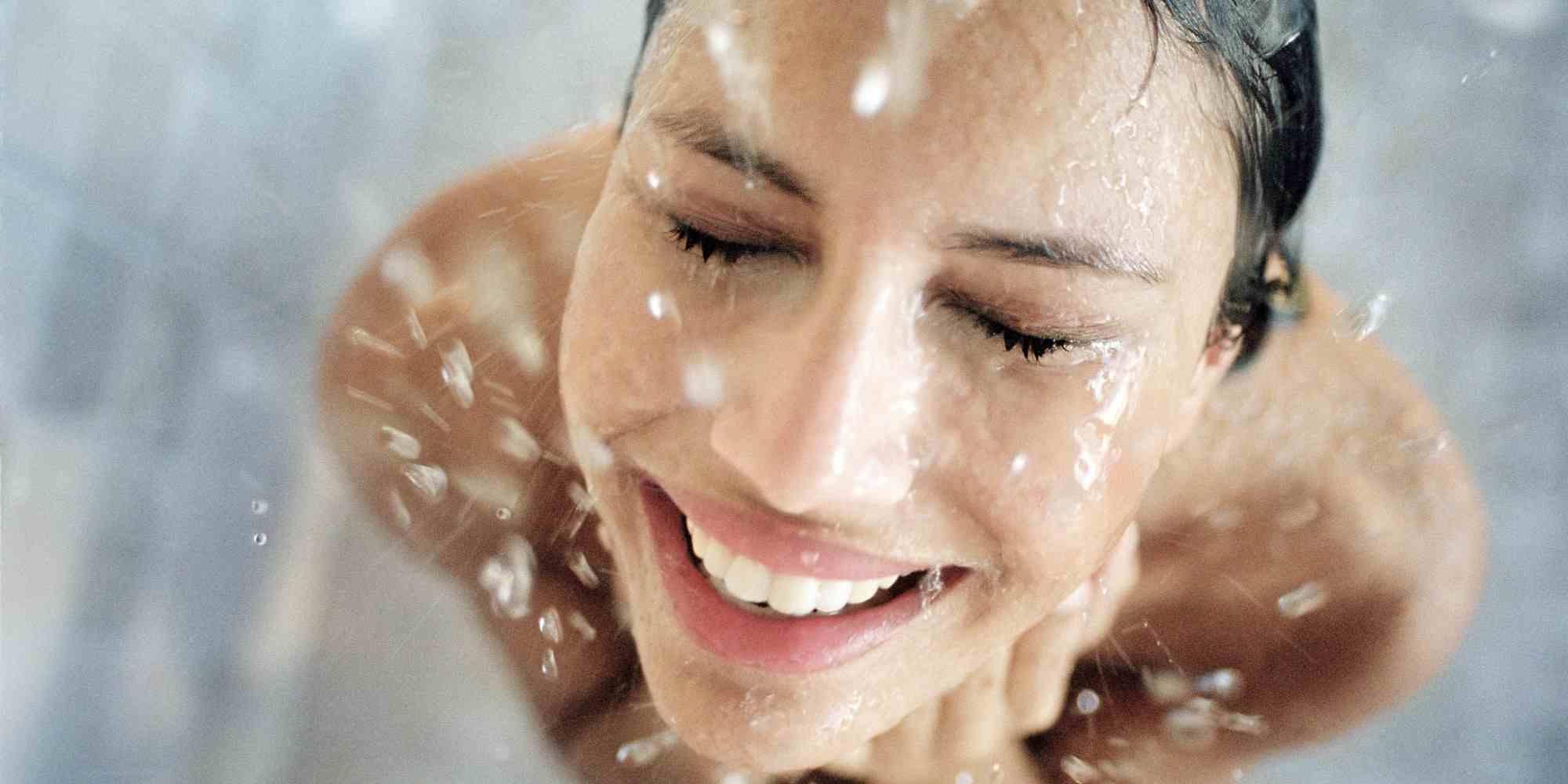 duchas-de-agua-fria-beneficios-para-la-salud-mejora-el-estado-de-animo