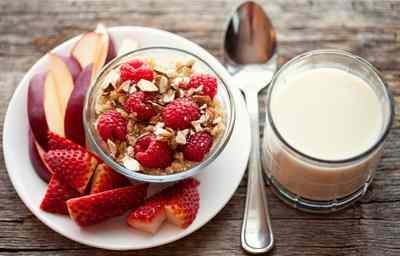 un-buen-desayuno-ayuda-a-bajar-de-peso-frambuesas