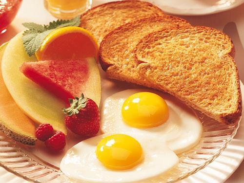 un-buen-desayuno-ayuda-a-bajar-de-peso-huevos