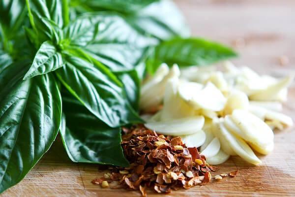 aceite-de-albahaca-receta
