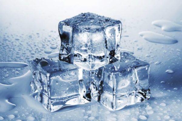12-remedios-naturales-para-una-infeccion-estomacal-hielo