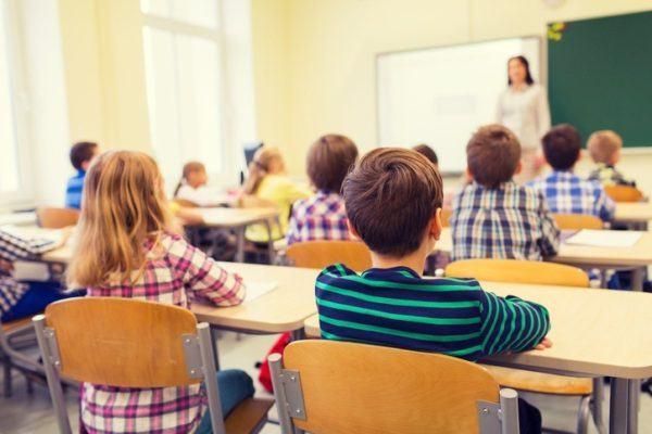 Como afecta el Trastorno de por deficit de atencion e hiperactividad TDAH rendimiento escolar