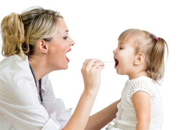 como-curar-las-anginas-sintomas-y-causas-garganta