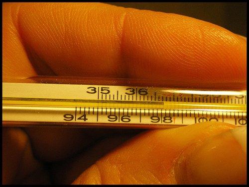 bajar-la-fiebre-remedios-naturales-termometro