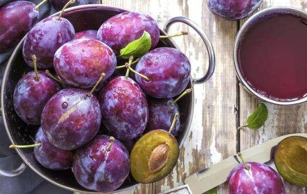 ciruelas-efectos-secundarios-fruta