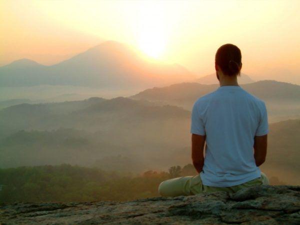 como-bajar-la-tension-de-forma-natural-meditacion
