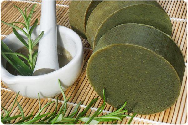 tratar-metodos-naturales-una-contractura-cervical-aceite-romero-arcilla-verde.b
