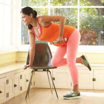 ejercicios-para-embarazadas-uno-brazo-con-mancuernas