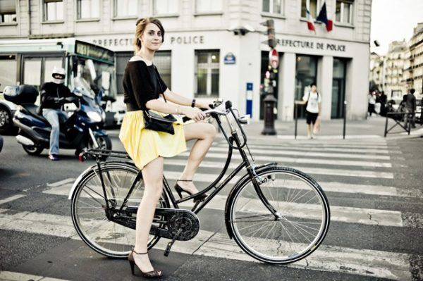 como-adelgazar-las-piernas-bici