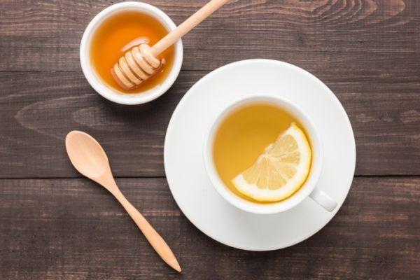 Eliminar el acido urico de forma rapida con limon infusion de limon con miel
