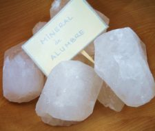 Piedra de alumbre como desodorante natural