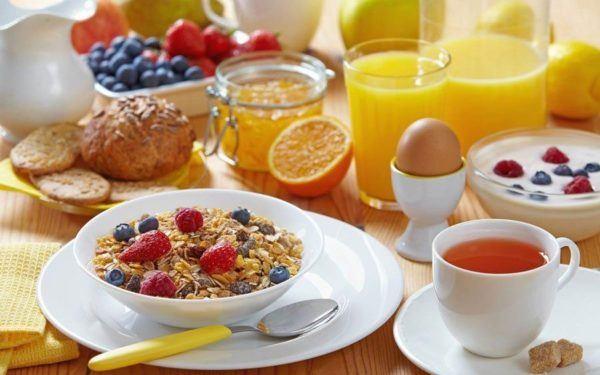 consejos-para-hacer-dieta-mas-facilmente-desayuno-comida-mas-importante