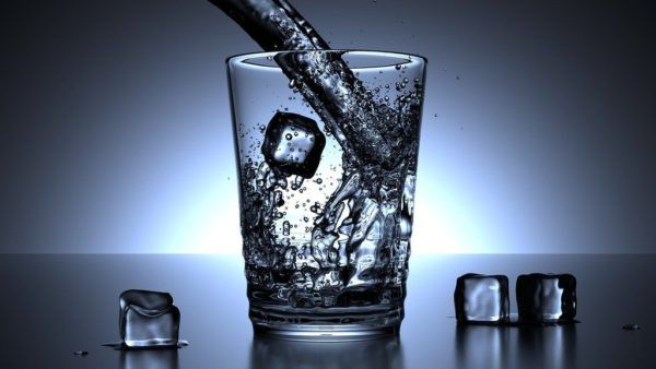 beber-agua-para-mejorar-funcion-renal