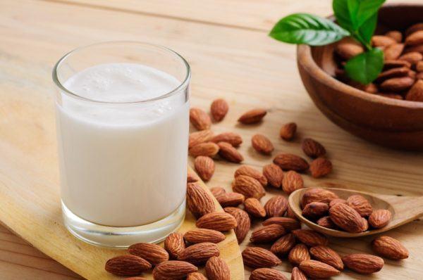 leche-de-almendras-propiedades-beneficios-y-recetas