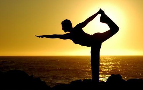 la-preocupacion-afecta-nuestro-sistema-digestivo-sintoma-yoga