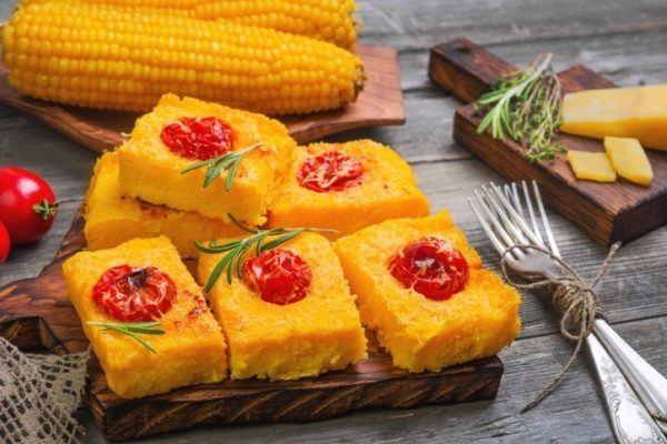 Tipos de polenta polenta frita y tono dorado