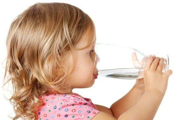 Tratamientos para la escarlatina beber agua y zumos