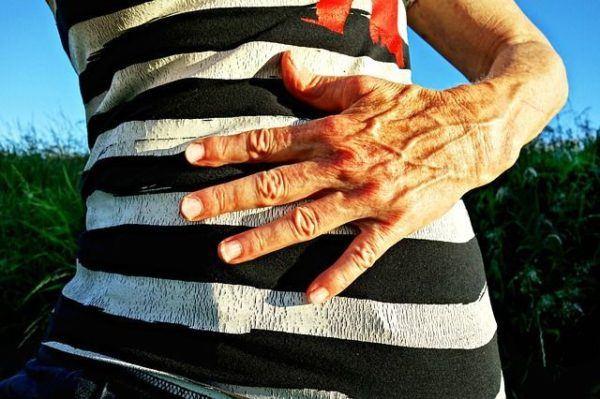 remedios-caserios-hernia-de-hiato-chica-jersey-rayas