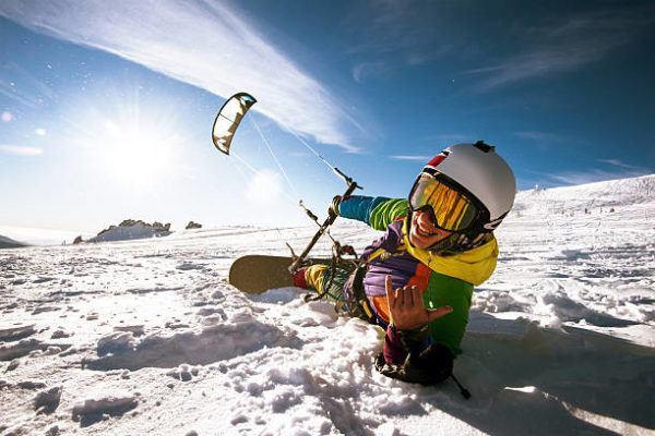 Mejores deportes para practicar en invierno Snowkite