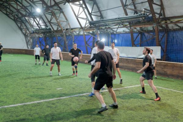 Mejores deportes para practicar en invierno futbol sala