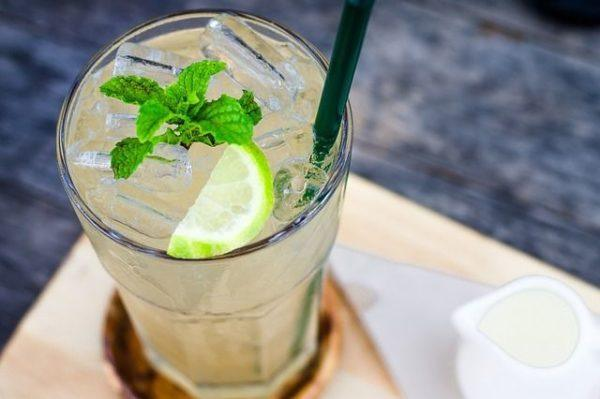 menta-propiedades-beneficios--menta-con-limon