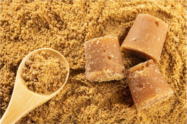 ¿La panela es más saludable que el azúcar?
