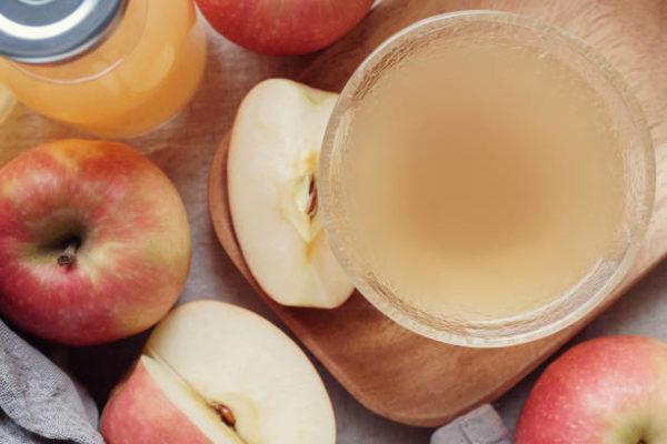 Alimentos que nos ayudan a combatir la celulitis este verano vinagre de manzana